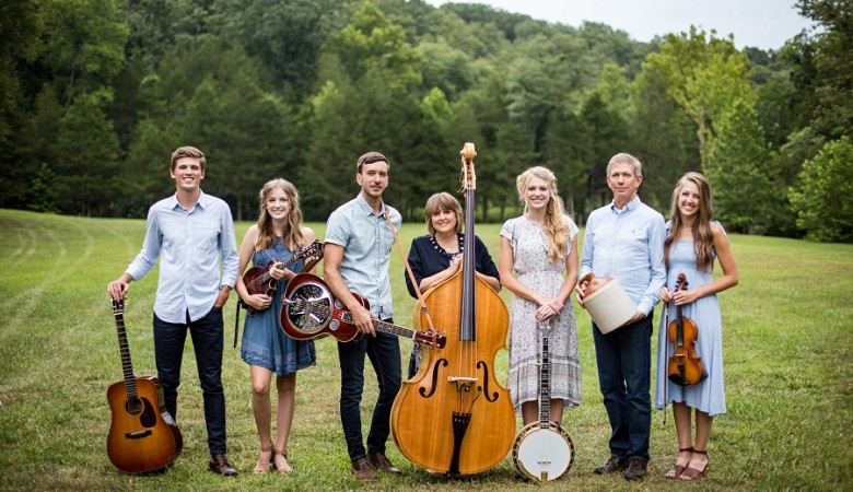 Interview with Bluegrass Family Band The Petersens